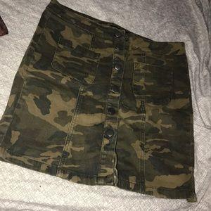 Camo skirt 🍂🍃